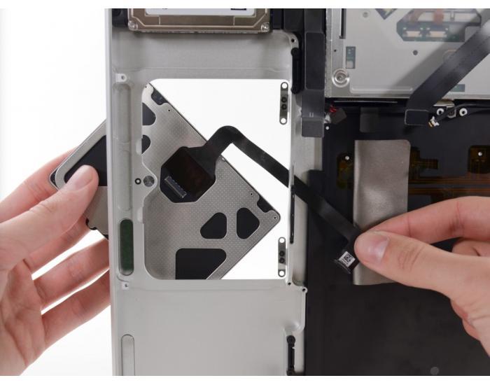 Trackpad installatie MacBook Retina